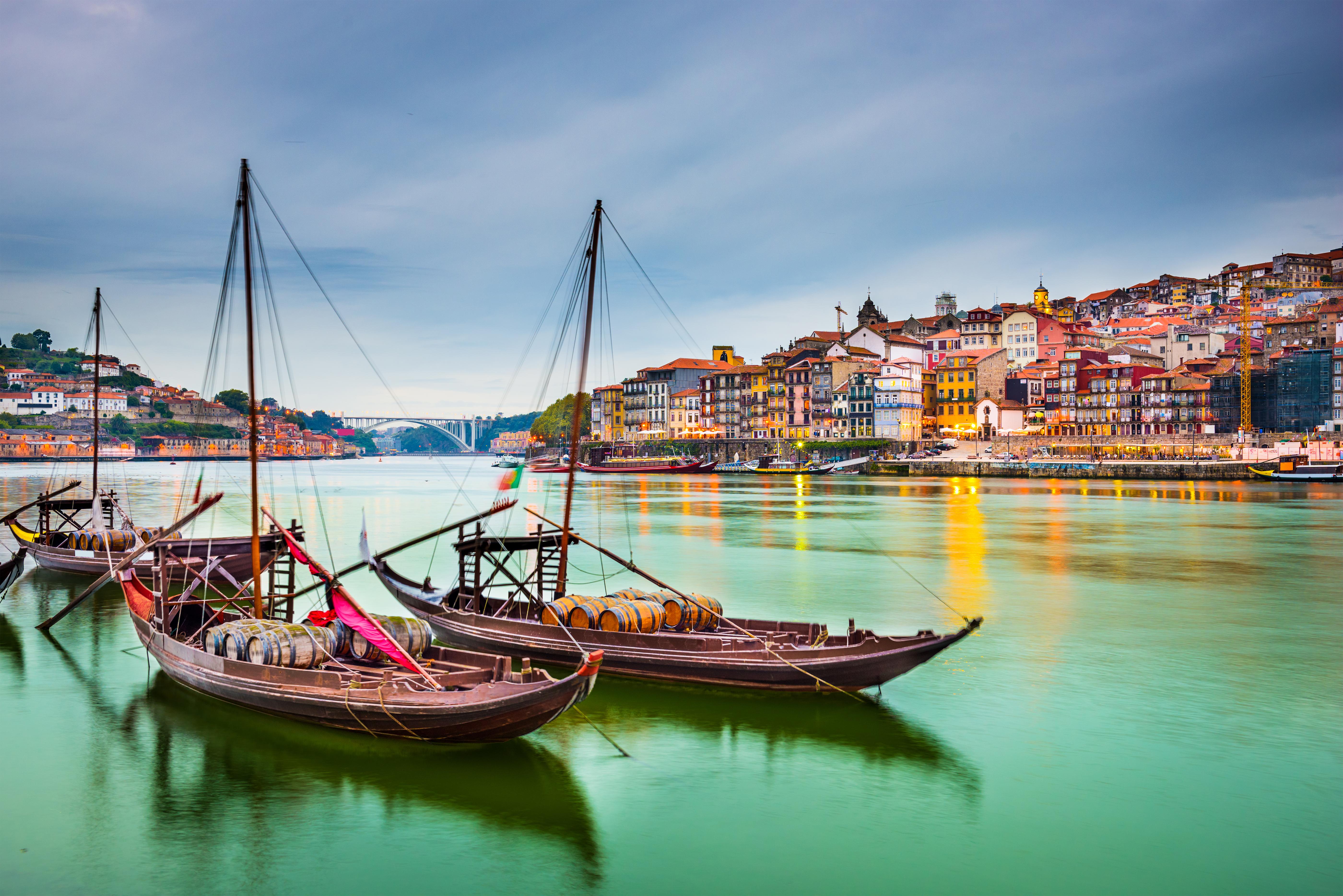 Порту, город в Португалии, ВНЖ которой могут получить иностранцы